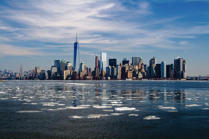 During cold waves the sea surrounding New York may form a shallow ice cover.