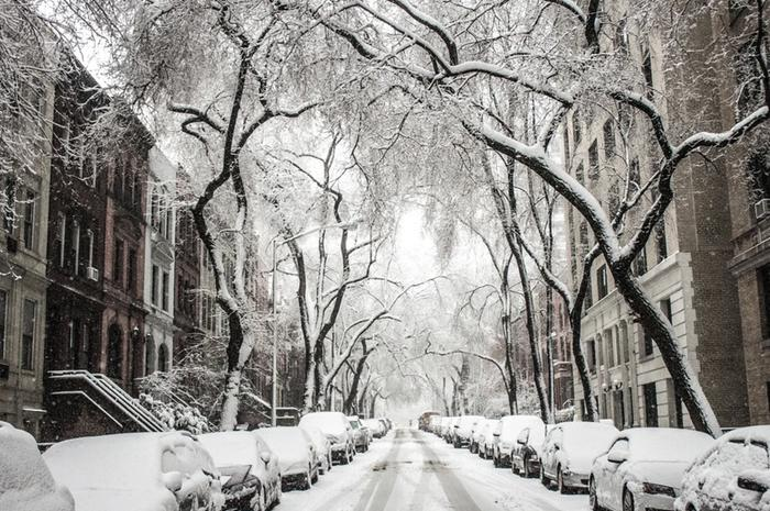 On average, it snows on 12 days per year in New York.